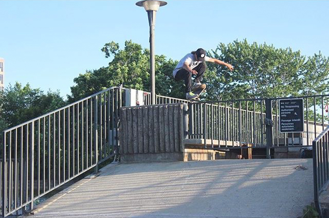 "Scott Lauzon ""Nose Bonk"" - Photo Nick Vrieling"